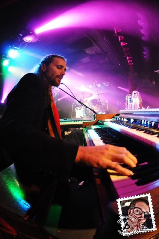 Jimmy Iles Beat-Play The Skatalites
